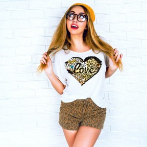 Leapord Love LV website tee 2